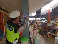 Ketika Polantas Pilih Blusukan ke Pasar Ketimbang Menilang di Jalanan