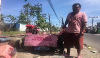 Serba Pink, Tambal Ban di Yogya Curi Perhatian Pengendara Jalan