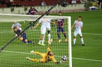 Barcelona Ungguli Napoli 3-1 di Paruh Pertama
