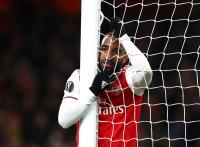 Aubameyang Bertahan, Lacazette Akan Dijual Arsenal