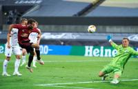 Man United vs  Copenhagen, Van Persie Terpukau dengan 13 Penyelamatan Johnsson