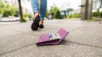 Dicopet di Kereta, Sebuah Dompet Dikembalikan pada Pemiliknya 14 Tahun Kemudian