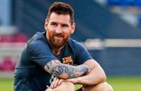 Jelang Barcelona vs Bayern, Alphonso Davies Tertawa saat Bahas Messi