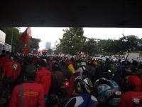 Akibat Demo Tolak Omnibus Law, Lalulintas di Jalan Gatot Subroto Tak Bergerak