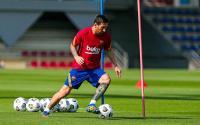 Berstatus sebagai Pemain Terkaya di Dunia, Messi Tetap Bersihkan Sepatu Sendiri