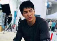 Pandemi Paksa Variety Show Lee Seung Gi Berhenti Tayang