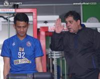 Pelatih Baru Arema FC Tak Mau Bicara Masa Depannya