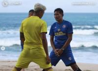 Fisik Skuad Arema FC Terus Digenjot di Pantai