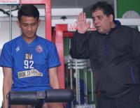 Pemain Arema FC Diminta Belajar Bahasa Inggris