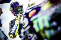 Valentino Rossi Heran dengan Pembalap yang Terlalu Cepat Putuskan Masa Depannya