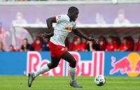 Ian Wright Heran Man United Tak Kunjung Rampungkan Transfer Upamecano