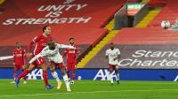 Liverpool Bantai Arsenal, tapi Robertson Masih Kesal dengan Assist-nya ke Lacazette