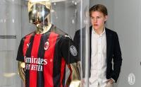 Gabung AC Milan, Hauge: Ini Klub yang Dibuat untuk Menang!