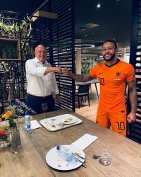Memphis Depay Jadi Pemain Ke-21 Belanda di Barcelona