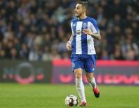 Porto Tolak Tawaran Kedua Man United untuk Alex Telles