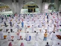 Pertama dalam 7 Bulan, Jamaah Bisa Kembali Sholat di Masjidil Haram
