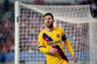 Di Atas Serbet, Lionel Messi Teken Kontrak dengan Barcelona