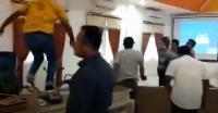 Memalukan! Anggota DPRD Morotai Baku Hantam dengan Kepala Bapeda saat Rapat