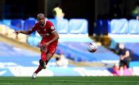 Wijnaldum Pede Fabinho Bisa Gantikan Peran Van Dijk di Liverpool