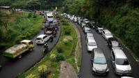 Antisipasi Kemacetan Libur Panjang, Polisi Minta Truk Besar Dilarang Melintasi Jalur Puncak
