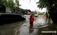 Basarnas Evakuasi Warga Dua Perumahan Terdampak Banjir di Bekasi