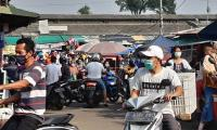 Sejumlah Pedagang Positif Corona, Pasar Harjodaksino Solo Ditutup