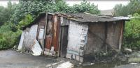 Balada Janda Tua Hidup Sebatang Kara di Gubuk Reot