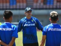 Pelatih Persib Bandung Yakin Liga 1 2020 Bergulir Januari 2021