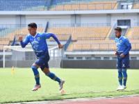 Robert Alberts Genjot Skuad Persib Bandung dengan Latihan Tensi Tinggi