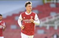 Lauren Dukung Keputusan Arteta Coret Ozil dari Skuad Arsenal