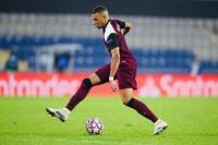 Tukar Baju  dengan Skrtel, Kylian Mbappe Diprediksi Gabung Liverpool