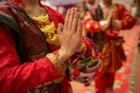 5 Kain Tradisional Indonesia Penuh Arti dan Filosofi