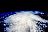 Topan Terkuat 2020 Dekati Filipina, Ribuan Penduduk Dievakuasi
