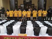 Pabrik Rumahan Tembakau Gorila yang Digerebek Polrestabes Bandung Sudah Beroperasi 3 Bulan