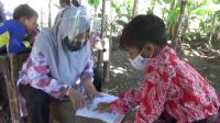 Ambar Susanti, Guru Honorer yang Jalan Kaki Belasan Kilometer Demi Mendidik Muridnya