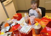 Kelaparan, Bocah 3 Tahun Ini Habiskan Jutaan Rupiah Pesan Makanan Fastfood