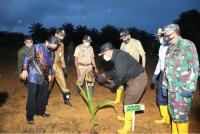 Pjs Gubernur Kepri Minta Pemda Dukung Penanaman 1 Miliar Pohon Buah Kelapa