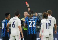 Gara-Gara Ucapkan Ini, Vidal Diberi Kartu Merah di Laga Inter vs Madrid