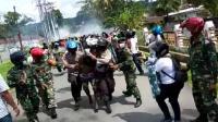 Aksi Jelang HUT OPM Bentrok, 4 Polisi dan 1 Wartawan Terluka