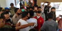 Demo Mahasiswa Tolak Kenaikan Tunjangan DPRD Sikka Ricuh