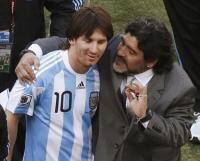 Gelandang Persib Kaget Diego Maradona Meninggal Dunia