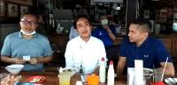 Tampak Akrab, Gibran dan Zulkifli Hasan Makan Soto Jelang Pilwalkot Solo