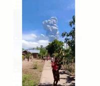 Lebih 2.000 Warga Terdampak Erupsi Gunung Ile Lewotolok Mengungsi