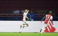 Ajax! Serang Terus Liverpool