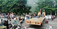 Demo Tolak Kedatangan Habib Rizieq di Makassar Berakhir Ricuh