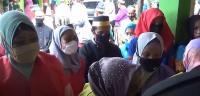 Abai Prokes, Ratusan Peserta Nikah Massal di Makassar Berkerumun