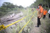 Tinjau Penanganan Erupsi Gunung Semeru, Kepala BNPB Serahkan Bantuan Rp500 Juta