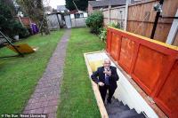 Viral, Kakek Ini Sulap 'Shelter' Bom Perang Dunia II Menjadi Bar