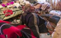 Obesitas 300 Kg, Pria Ini Dibopong 50 Orang untuk Keluar Rumah