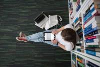 4 Cara Mengendalikan Stres Jelang Ujian Akhir Kelas <i>Online</i>